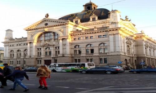 Zdjecie UKRAINA / Galicja / Lwów / Opera od strony ulicy