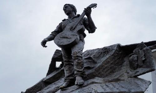 Zdjęcie UKRAINA / Charków / . / Pomnik Włodzimierza Wysockiego