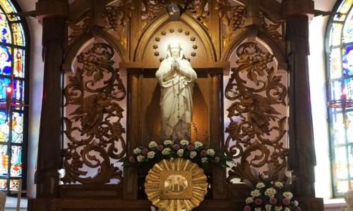Zdjecie UKRAINA / Charków / Katedra Wniebowzięcia Najświętszej Maryi Panny / Ołtarz, statua Matki Bożej