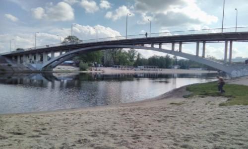 Zdjęcie UKRAINA / Kijów / Hydropark nad brzegiem Dniepra / Plaża w Hydroparkie 2