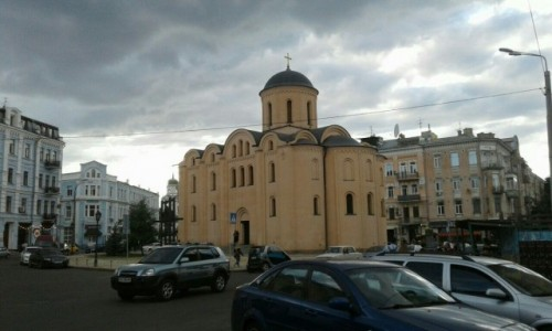 UKRAINA / Kijów / Podol, Plac Kontraktowy / Kościół Wniebowzięcia Matki Pirogoszczi-2