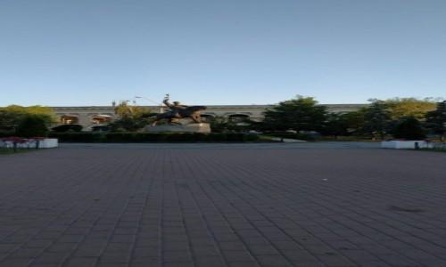 UKRAINA / Kijów / Plac Kontraktowy / Pomnik Sagajdacznego
