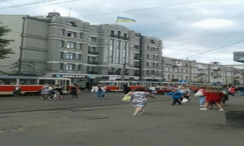 UKRAINA / Kijów / Plac Kontraktowy / Przystanek tramwajowy