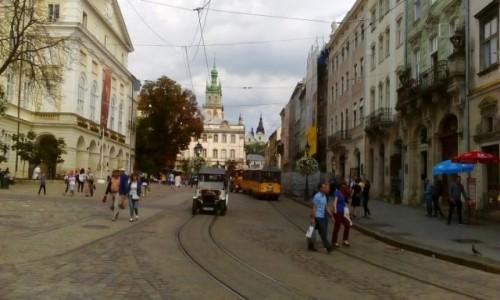 UKRAINA / - / Lwów / Lwowska ulica