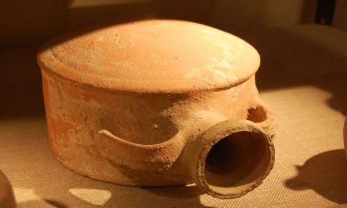 Zdjecie UKRAINA / Krym / Sudak / Wczesnośredniowieczna ceramika VII-IX wiek