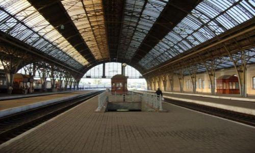 Zdjecie UKRAINA / Lwów / Dworzec / Peron