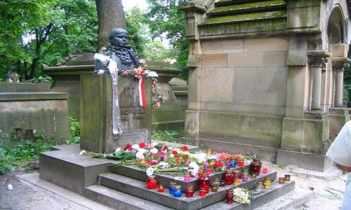 Zdjęcie UKRAINA / Obwód Lwowski / Lwów - Cmentarz Łyczakowski /  pomnik Marii Konopnickiej