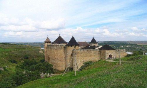 UKRAINA / Podole / Chocim / Twierdza Chocim na wysokim brzegu Dniestru