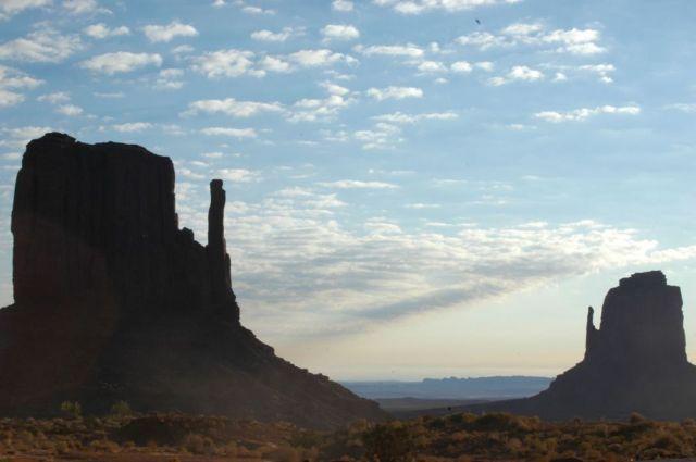 Zdjęcia: Monument Valley, Arizona, Mittens, USA