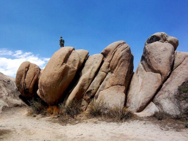 Zdjęcia: Kalifornia, przydrozne skalki, USA