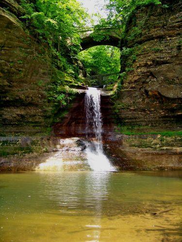 Zdjęcia: Illinois, wodospad w Matthiessen State Park, USA