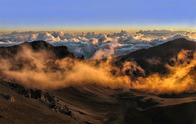 Zdjęcia: Haleakala Crater, Hawaje - wyspa Maui, Pierwsze promienie słońca nad Haleakala, USA