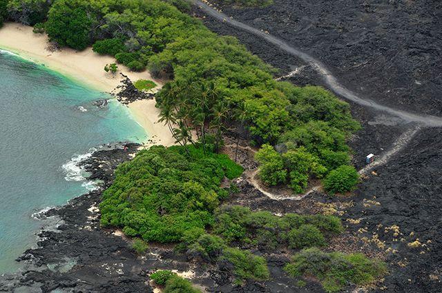 Zdjęcia: okolice Kona, Big Hawaii, Dzika plaża oszczędzona przez lawę, USA