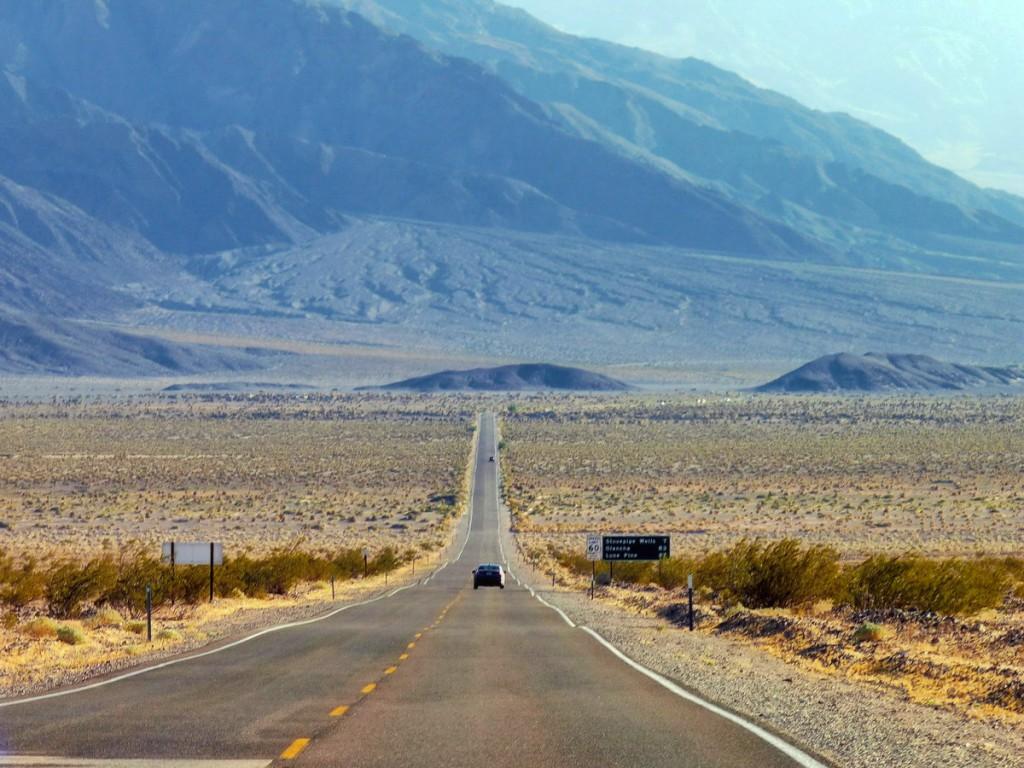 Zdjęcia: Death Valley, California, Falowana droga, USA