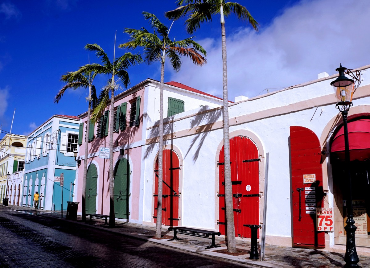 Zdjęcia: Charlotte Amalie, Wyspy Dziewicze Stanów Zjednoczonych, Główna ulica w starej części stolicy, USA