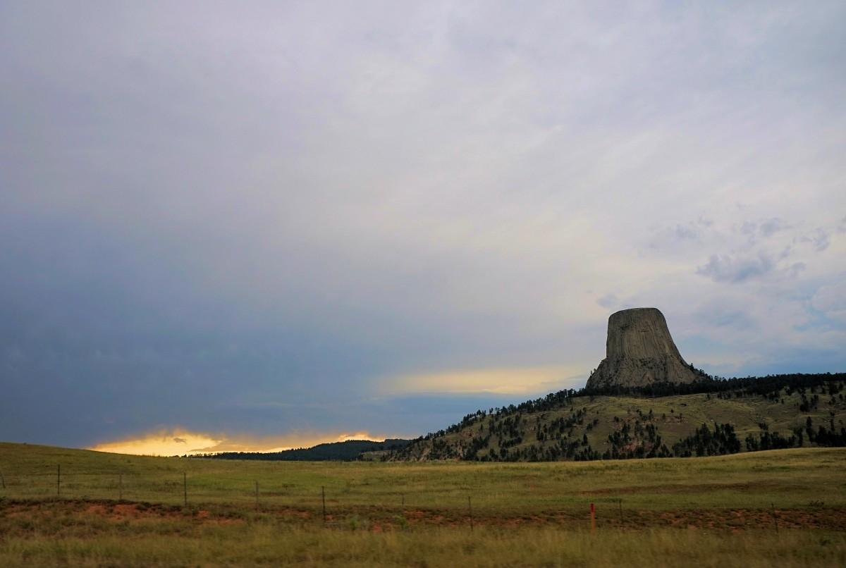 Zdjęcia: Devils Tower National Monument, Wyoming, Przed burzą, USA