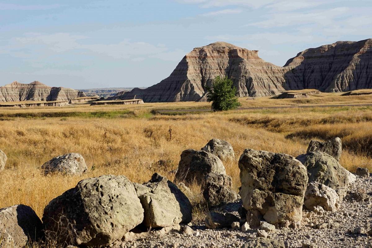Zdjęcia: Park Narodowy Badlands, Południowa Dakota, W drodze przez park, USA