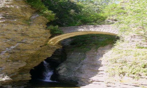 USA / stan Nowy York / Finger Lakes- Watkins Glen / wejście do Watkins Glen State Park