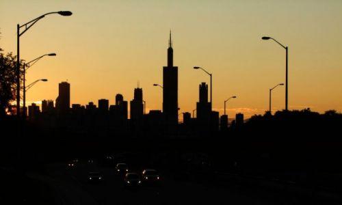 Zdjecie USA / - / Illinois / Chicago / Chicago budzi sie ze snu