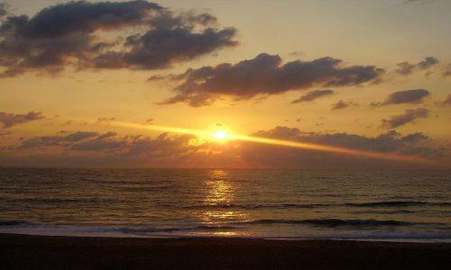 Zdjęcie USA / North Carolina / Outer Banks / o wschodzie słońca na plaży w Kill Devils Hill