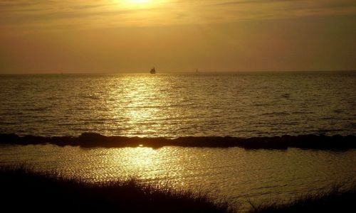 Zdjecie USA / North Carolina / Outer Banks - Ocracoke Island / zachód  słońca na Ocracoke Island