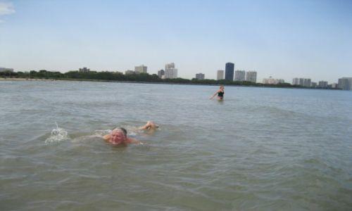 Zdjęcie USA / - / Chicago / Kąpiel w jeziorze Michigan