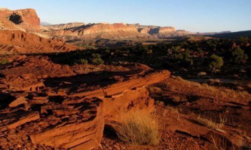 Zdjecie USA / Utah / capitol reef / przed zachodem...