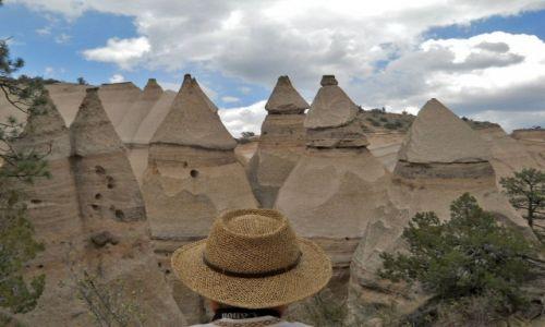 Zdjecie USA / - / Nowy Meksyk / Kasha-Katuwe  / Konkurs - Jak bylem maly, to chcialem miec taki kapelusz, i zwiedzac w nim swiat :)
