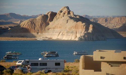 Zdjecie USA / Utah / Lake Powell N.P. / Widok z kampingu na jezioro Powell'a