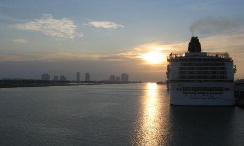 Zdjecie USA / Floryda / Port Miami / Miami