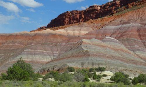USA / Utah / Old Paria / Z wędrówek po górach: Tęczowe góry