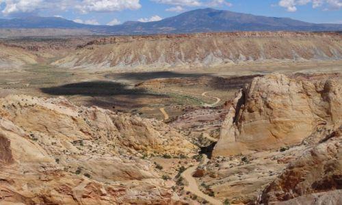 Zdjęcie USA / - / Utah / Zapraszam na BURR TRAIL ROAD- zakosami na Waterpocket Fold