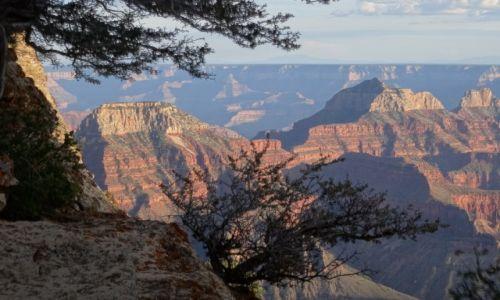Zdjecie USA / Arizona / Grand Canyon / Romantycznie: zachód słońca Wielkim Kanionem