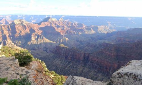 USA / Arizona / Grand Canyon / Wschód słońca na Bright Angel Point
