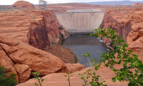 USA / Arizona / Tama na rzecze Kolorado / Glen Canyon Dam