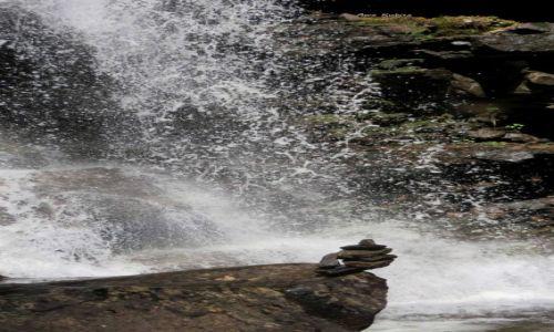 USA / Pensylwania / Wodospady Ricketts Glen / Spadnie? Nie spadnie?