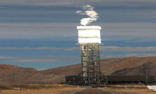 Zdjęcie USA / Kalifornia / Sam Bernardino County / Elektrownia słoneczna Ivanpah