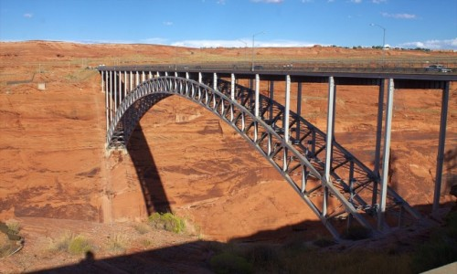 Zdjecie USA / Arizona / Page / Stalowy most nad rzeką Kolorado