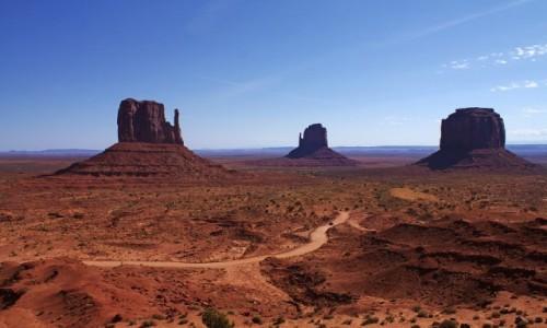 Zdjęcie USA / Arizona / Dolina Monumentów / Trzy olbrzymy