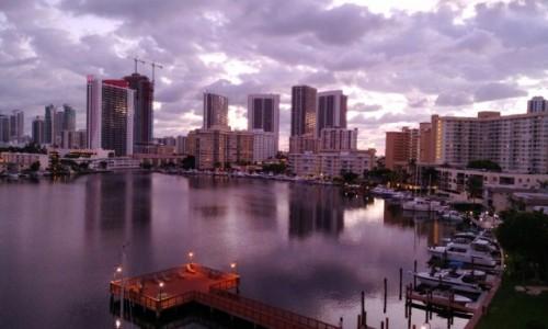 Zdjecie USA / Floryda / Miami / Widok na drapacze chmur o 4tej nad ranem