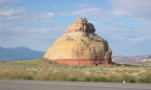 Zdjecie USA / brak / Utah / przydrozna gora-czajnik