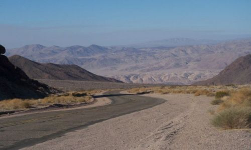 USA / Kalifornia / Dolina Smierci / w dole mieszka ZUO