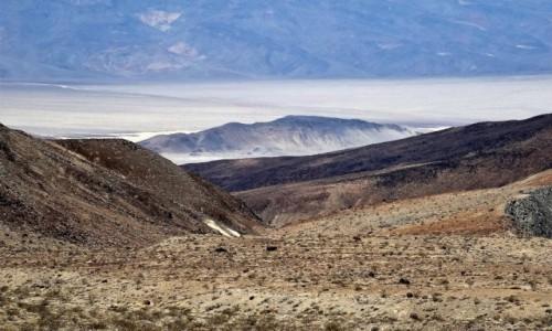 Zdjecie USA / Pustynia Mojave / Gdzieś po drodze, chyba w Nevadzie / Posępny urok Mojave