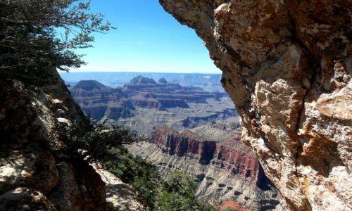 Zdjecie USA / brak / Arizona / Grand Canyon przez skalne okno