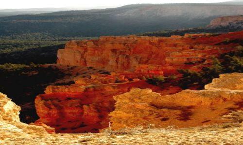 USA / Utah / Bryce National Park / Rainbow Point / zachód słońca w Bryce