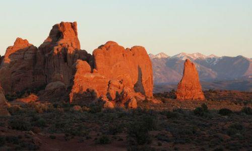 Zdjecie USA / Utah / Arches National Park / Windows section / Zachód słońca w Arches