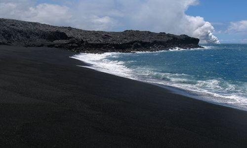Zdjecie USA / Big Hawaii / plaża / Czarny piasek, czarna plaża...