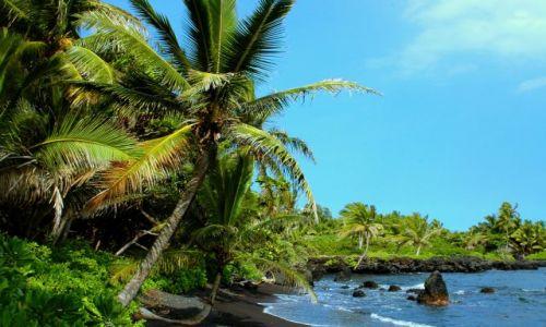 Zdjecie USA / Hawaje / Maui / Hana Bay / Cudowne plaże Maui - dzika Hana Bay
