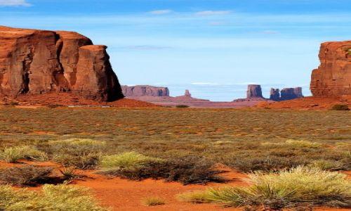 USA / Arizona / Monument Valley / Cudowna kraina Navajo -  rano...