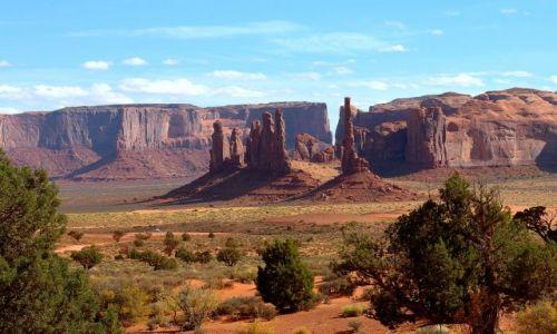 USA / Arizona / Monument Valley / Cudowna kraina Navajo -  po południu...